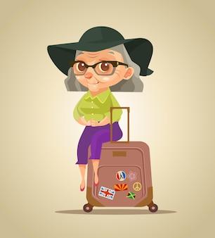 Gelukkig lachend oude toeristische grootmoeder karakter zittend op tassen