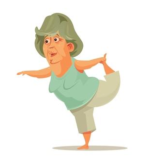 Gelukkig lachend oude vrouw oma doet yoga sport activiteit. actieve pensionering van een gezonde levensstijl