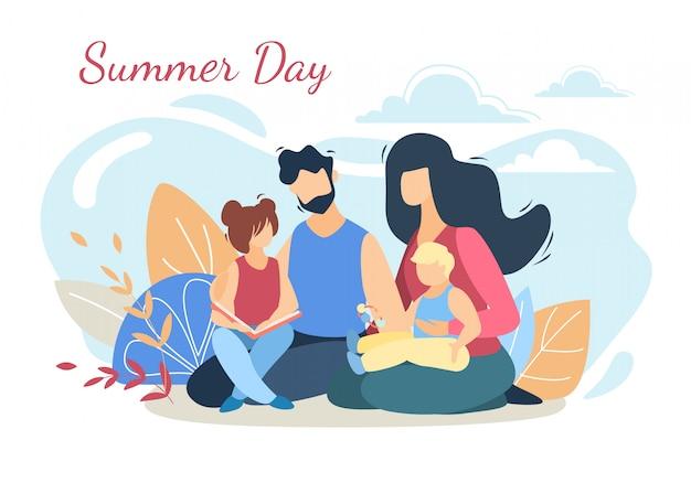 Gelukkig liefdevolle familie op picknick in de natuur van de zomerdag