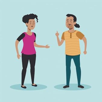 Gelukkig man en vrouw praten met casual kleding