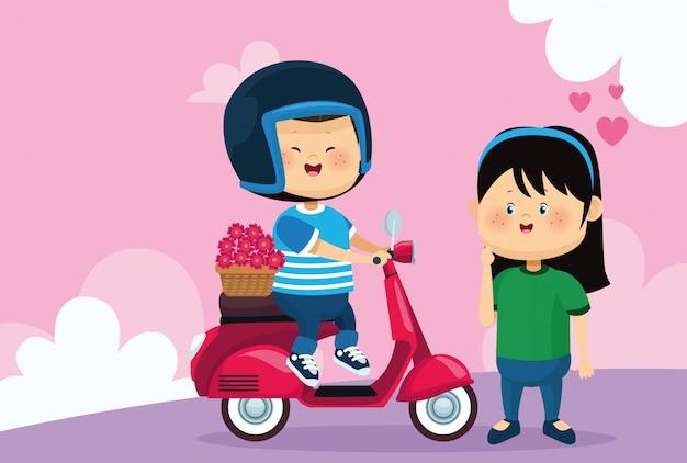 Gelukkig meisje en jongen op klassieke motorfiets met bloemen