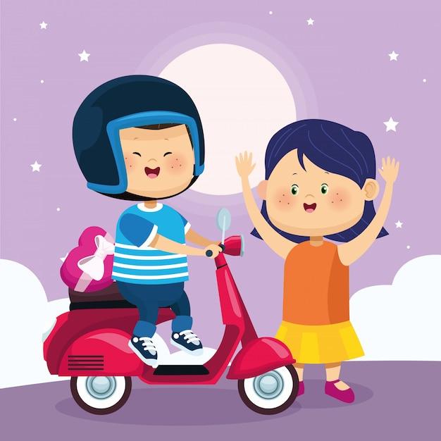 Gelukkig meisje en jongen op klassieke motorfiets