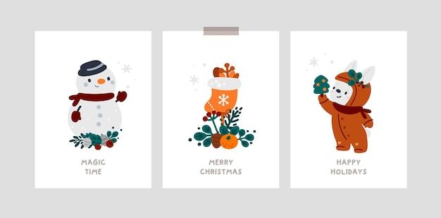 Gelukkig nieuwjaar of merry christmas-kaarten met cartoon sneeuwpop, konijn en gezellige winteraccessoires