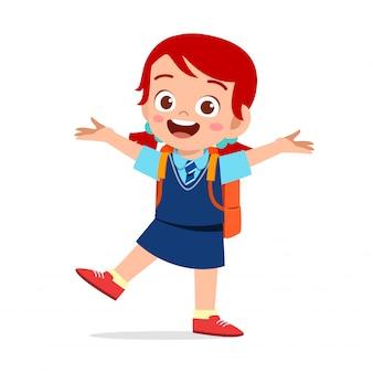 Gelukkig schattig kind meisje klaar om naar school te gaan