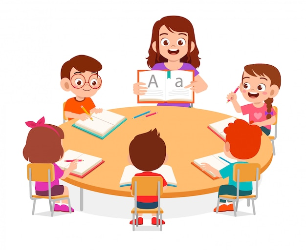 Gelukkig schattige kleine kinderen jongen en meisje studeren met leraar