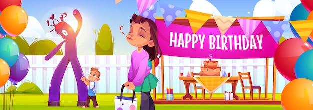 Gelukkig verjaardagsfeestje in de achtertuin