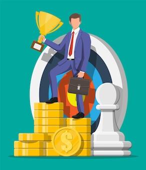 Gelukkig zakenman met trofee, dart doel, schaak pion stuk en stapel gouden munten. doelstelling. slim doel. doel bedrijfsconcept. prestatie en succes. vectorillustratie in vlakke stijl
