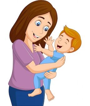 Gelukkige babyjongen met zijn moeder