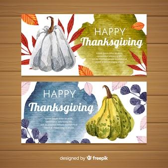Gelukkige die thanksgiving banner in vlak ontwerp wordt geplaatst