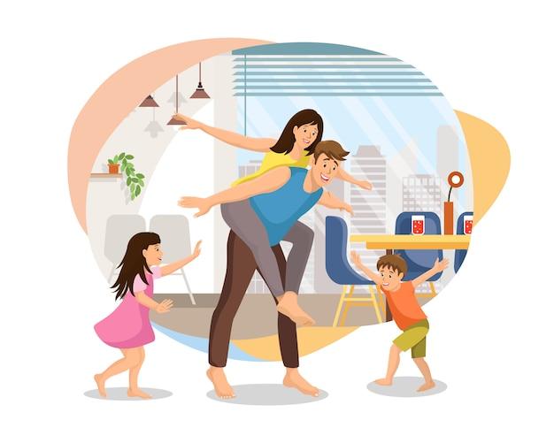 Gelukkige familie gek rond thuis