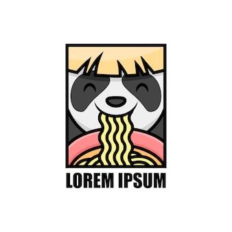 Gelukkige glimlachpanda die het logo van het noedelmerk eet