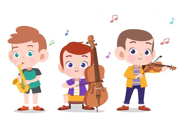 Gelukkige jonge geitjes die muziek spelen