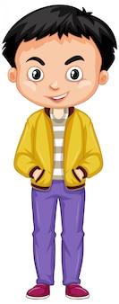 Gelukkige jongen die geel jasje op wit draagt