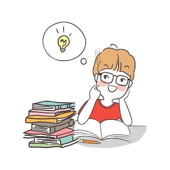 Gelukkige jongenslezing voor het examen en heeft een goed idee