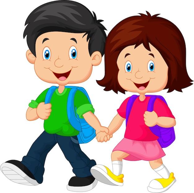 Gelukkige kinderen komen met rugzakken