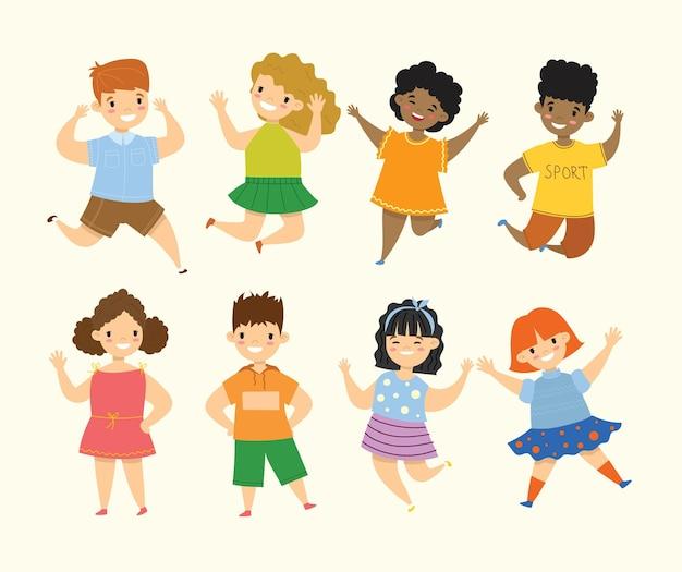 Gelukkige kleine kinderen collectie set. geïsoleerd op een witte achtergrond in de vlakke stijl
