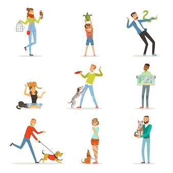 Gelukkige mensen die plezier hebben met huisdieren, man, vrouwen en kinderen trainen en spelen met hun huisdieren illustraties