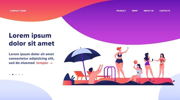 Gelukkige mensen genieten van zwembadfeest. mannen en vrouwen in badkleding die met een bal spelen, drijven met opblaasbare donut, cocktails drinken. vectorillustratie voor zomer, vakantie, vrijetijdsconcept