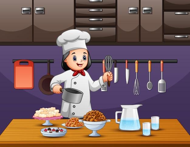 Gelukkige oude vrouwenchef-kok die voedsel voorbereiden