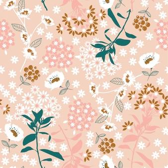 Geometrische dichte bloeiende bloem en blad op roze