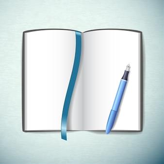 Geopend leeg schetsboek met pen en bladwijzer in blauwe kleur plat