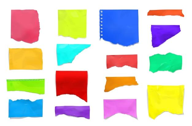 Gescheurd gescheurd kleurrijk document dat voor plakboek wordt geplaatst