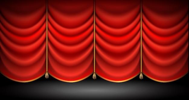 Gesloten rode gordijnen met gouden touwen en kwastjes, stand up, opera of theatershow achtergrond.