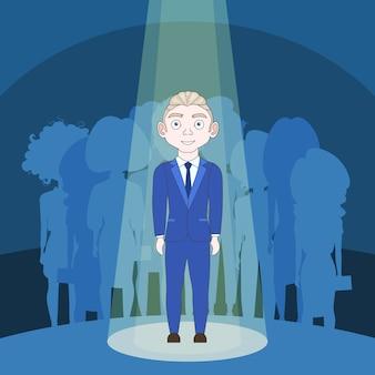 Getalenteerde man in spotlight over silhouet mensen achtergrond