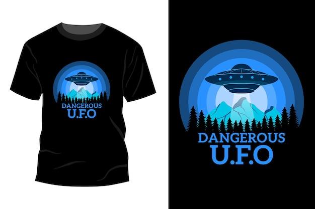 Gevaarlijk ufo t-shirt mockup ontwerp vintage retro