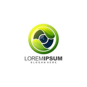 Geweldige camera logo ontwerp illustratie met blad