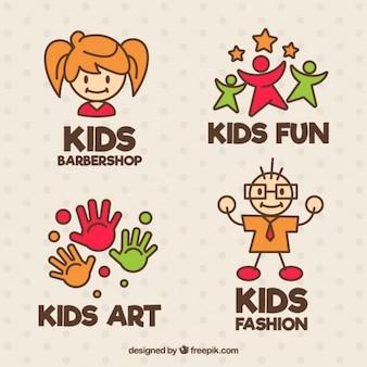 Geweldige kinderen logos in plat design