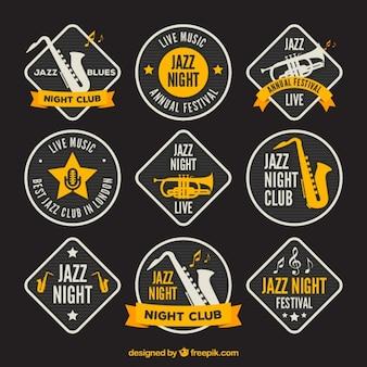 Geweldige muziek badges met gele details