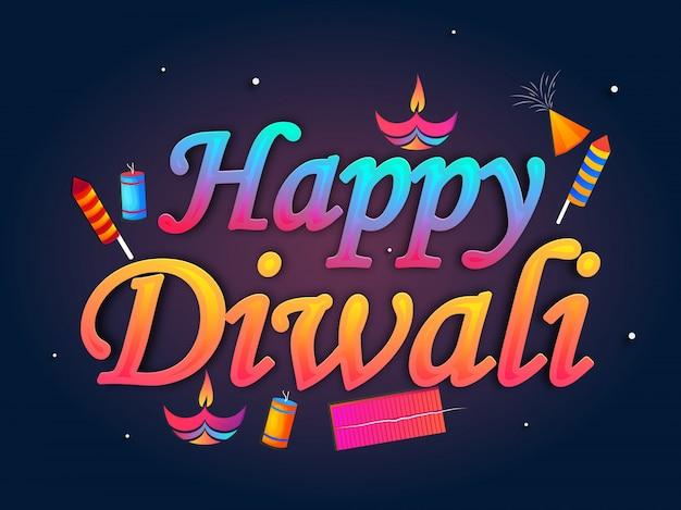 Glanzende tekst happy diwali met verlichte olie verlichte lamp en vuur crackers op blauwe achtergrond.