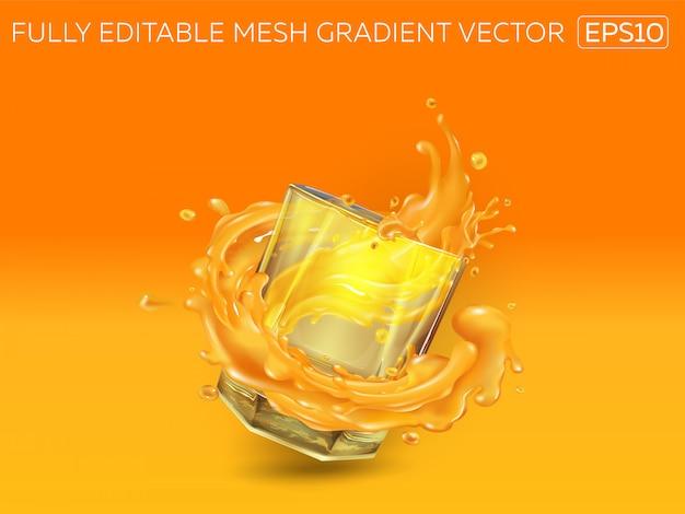 Glas met een scheutje sap op een oranje achtergrond.