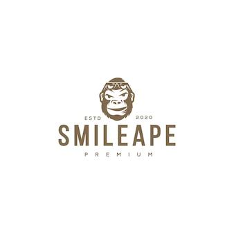 Glimlach aap embleemontwerp pictogram