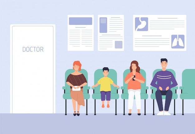 Glimlachende beeldverhaalmensen die op stoelen zitten die artsenbenoeming wachten bij het ziekenhuis vlakke illustratie. man, vrouw en kind bij moderne kliniek.