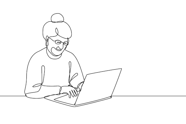 Glimlachende bejaarde vrouw die aan laptop lijnkunst vectorillustratie werkt