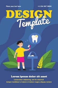 Glimlachende jongen die tanden voor gezondheidsmalplaatje schoonmaakt