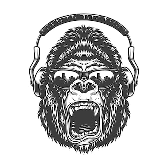 Gorilla met koptelefoon