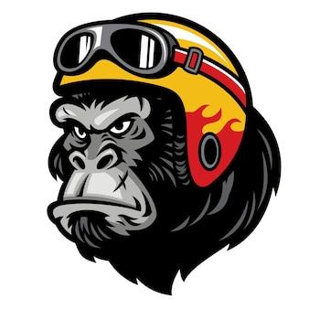Gorillahoofd dat een helm draagt