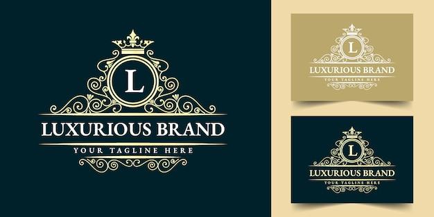 Gouden kalligrafische vrouwelijke bloemen hand getekend heraldisch monogram antieke vintage stijl luxe logo ontwerp geschikt voor hotel restaurant café coffeeshop spa schoonheidssalon luxe boetiek cosmetica