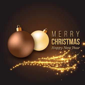 Gouden kerstversiering met gloeiende lichten en kerstballen.