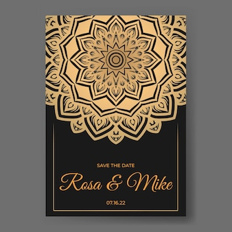 Gouden luxe bruiloft uitnodiging sjabloon met mandala decoratie ornament
