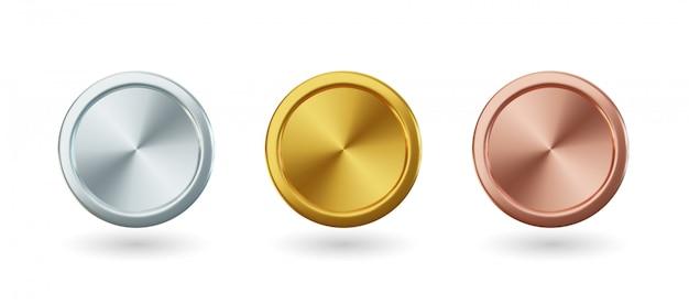 Gouden munten en medaille met lint, set van geïsoleerde awards in realistisch ontwerp. symbool van geld en rijkdom. viering en ceremonie concept.