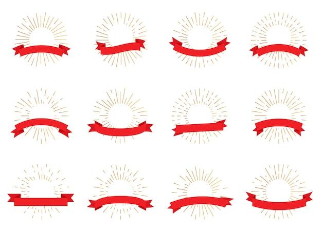 Gouden stralende zonnestraal retro banners met rood lint. hipster-stijl lichtstralen, lege frame tex box