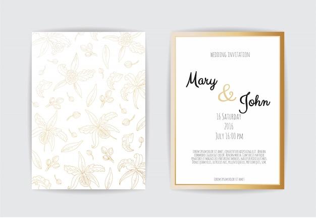 Gouden uitnodiging met bloemenelementen.