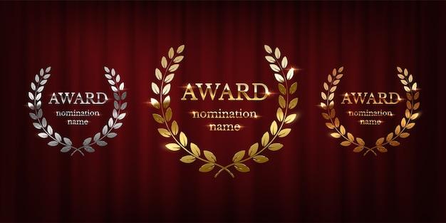 Gouden, zilveren en bronzen award borden met lauwerkrans op rode gordijn achtergrond