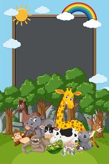 Grens sjabloonontwerp met veel wilde dieren in de achtergrond