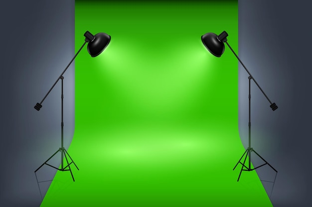 Groen scherm studio interieur met schijnwerpers. leeg professioneel werk van de fotostudio