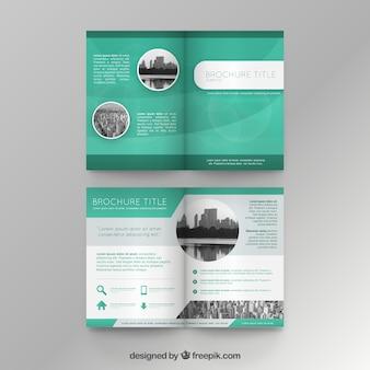 Groene brochure sjabloon
